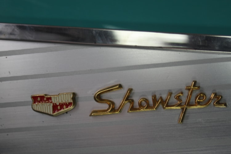 1991 American Showster  AS-57  Chevy Blue