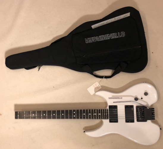1991 Steinberger GM2S White, Excellent, GigBag