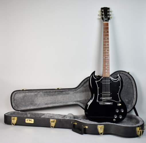 1996 Gibson SG SPECIAL Black, Excellent, Hard, $895.00