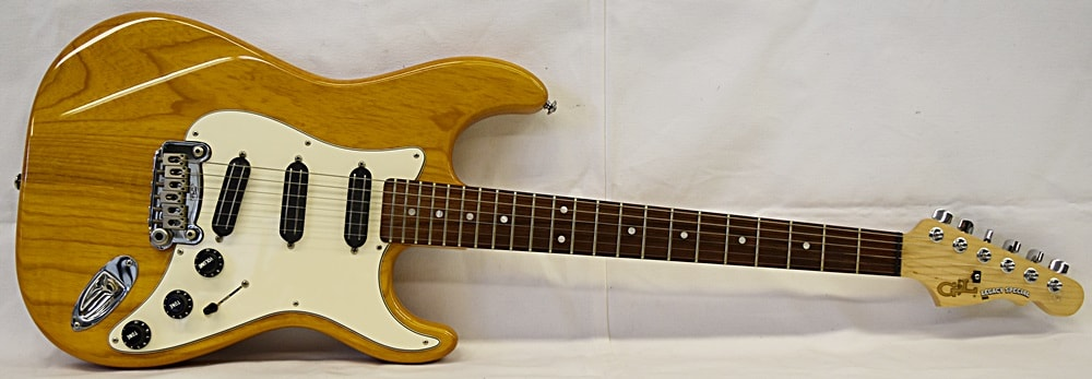1997 G&L USA Legacy Special Natural Honey, Excellent, Hard