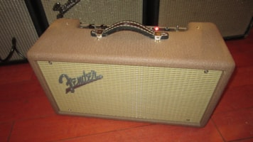 1998 Fender 63 Tube Reverb