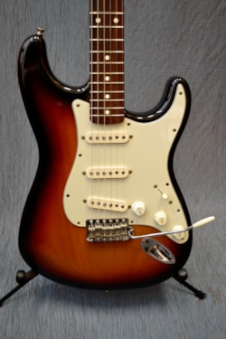 1998 Fender Stratocaster 62 re-issue