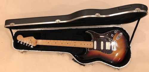1999 fender lone star stratocaster 3 color sunburst guitars electric solid body imperial. Black Bedroom Furniture Sets. Home Design Ideas