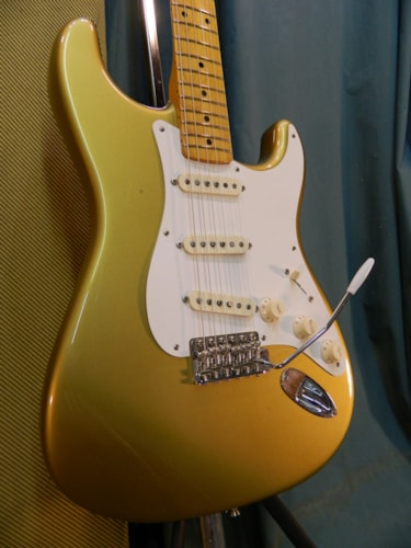 2000 Fender Stratocaster (1957 Reissue) Aztec Gold, Very Good, Original Hard