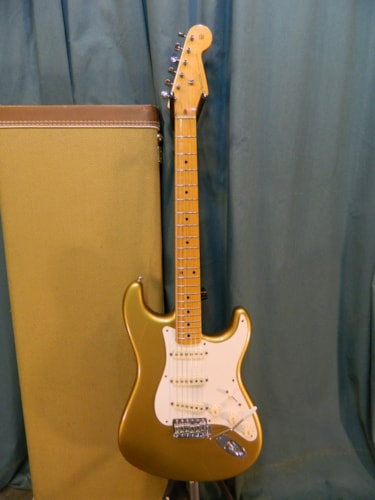 2000 Fender Stratocaster (1957 Reissue) Aztec Gold, Very Good, Original Hard, $1,699.00