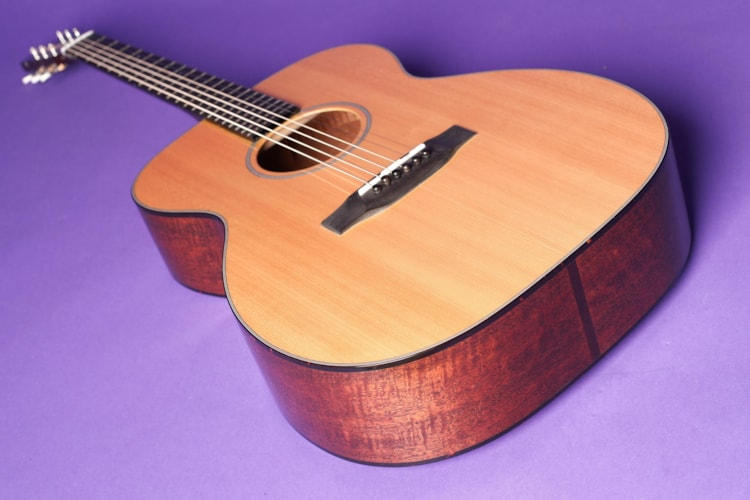 2000 John S Kinnard Model 000 Natural, Excellent, Hard, Call For Price!