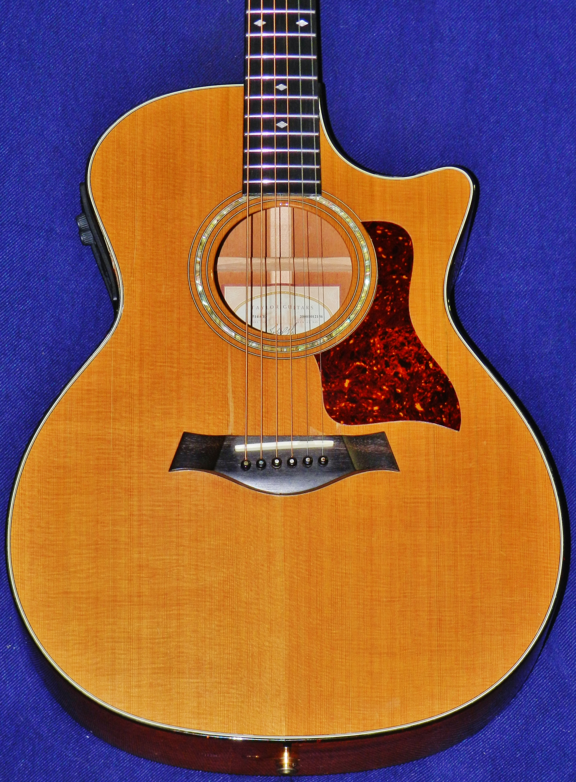 Hot Sale Taylor 500 514ce Acoustic/electric Guitar W/hardshell Case Guitars & Basses Musical Instruments & Gear