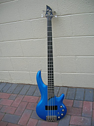 2001 Cort Curbow bass metalic blue, Excellent, Hard