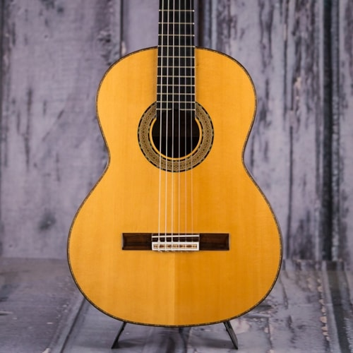 2004 Amalio Burguet Model 2M Classical Guitar, Natural Very Good, $599.99