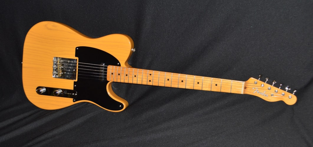 2004 Fender 52 Re-issue Telecaster Butterscotch Blonde, Mint, Original Hard
