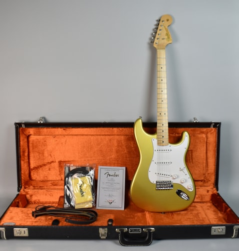 2005 Fender Custom Shop '66 Stratocaster Closet Classic Gold, Excellent, Hard, $2,995.00