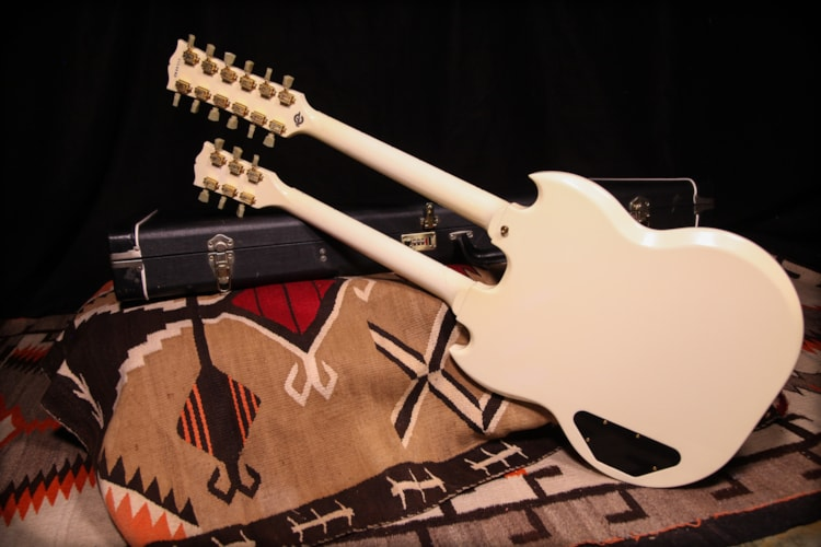 2006 Gibson EDS-1275 Alpine White, Excellent, Original Hard, $4,250.00