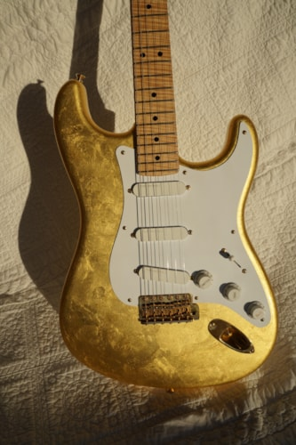 2007 Fender® Clapton Stratocaster® Gold Leaf, Near Mint, Original Hard