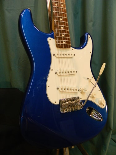2008 Fender Standard Stratocaster Lake Placid Blue