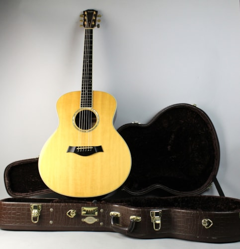 2008 Taylor GS8 Natural Finish Acoustic Grand Symphony Flattop Guitar w/OHSC