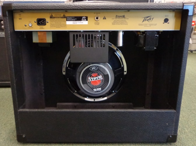 2010 Peavey Vypyr Tube 60 Black, Excellent