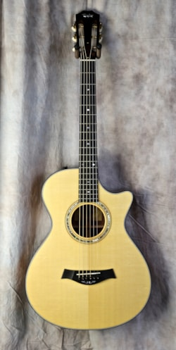 2010 Taylor  Custom TF Grand Concert 12 fret