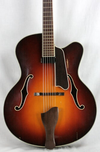 2011 Eastman AR610CE-CS Archtop Electric Guitar Hand-Carved Spruce Top/Mahogany!