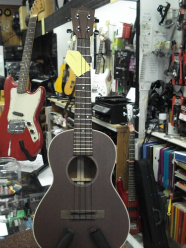 2011 Martin 2 Tenor  Brown white binding, Excellent, Soft, $675.00