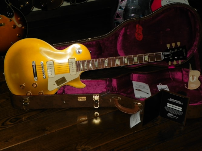2014 Gibson Custom Shop Les Paul 56 VOS Gold Top, Mint, Hard, $3,495.00