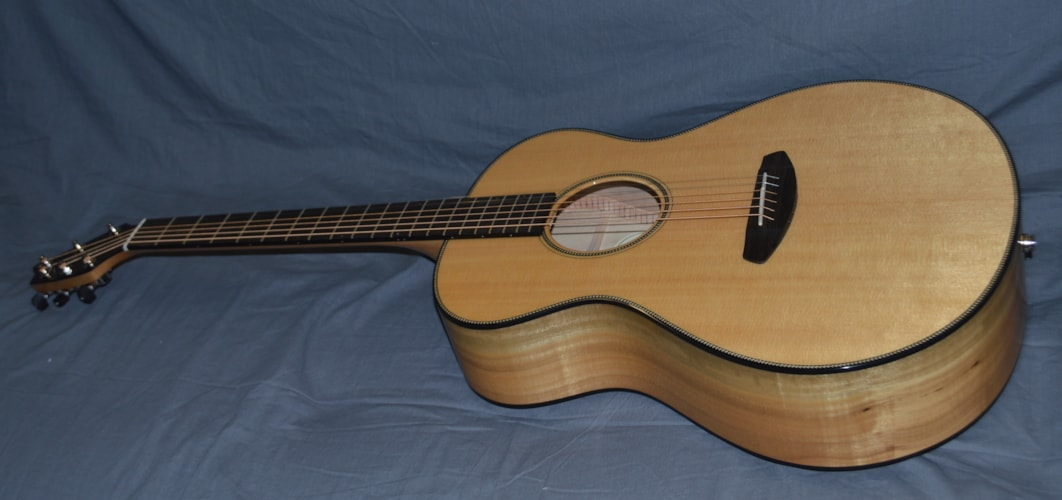 2016 Breedlove Oregon Concert Natural, Brand New, Original Hard