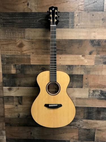 2016 Breedlove USA Custom Concert Natural, Mint, Original Hard