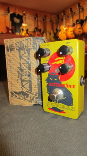 2016 Catlinbread Katzenkönig Fuzz  Yellow, Excellent, Original Soft, $139.00
