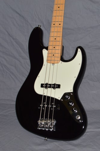 2016 Fender American Pro Jazz Bass Black