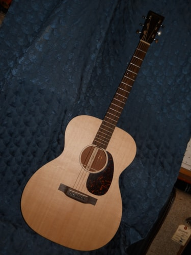 2016 Martin 000-15 Special acoustic guitar..solid spruce top USA