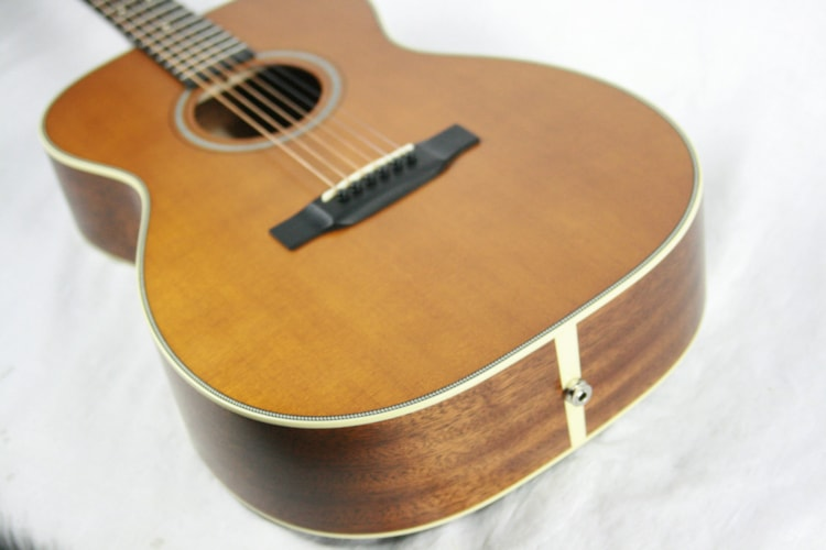 2016 Martin Custom Shop 00-18 Ditson Finish Sitka Top & Sipo Back/Sides! 14-Fret, K&K Pickup