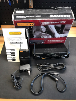 ~2016 Sampson Concert 77 Wireless Guitar System