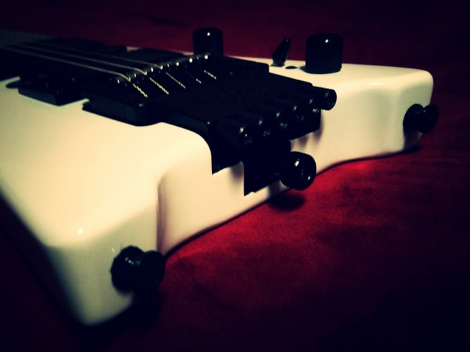 2016 Steinberger Spirit GT Pro Deluxe White, Excellent, Original Soft, $425.00