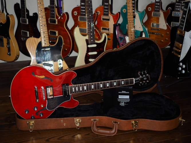 2017 Gibson Memphis ES-339 Faded Red Gloss, Mint, Hard, $2,199.00
