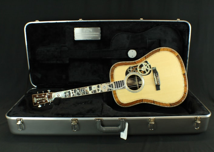 2017 Martin D200 Deluxe Limited Edition of 40  Natural w/Custom Inlay, Brand New, Original Hard