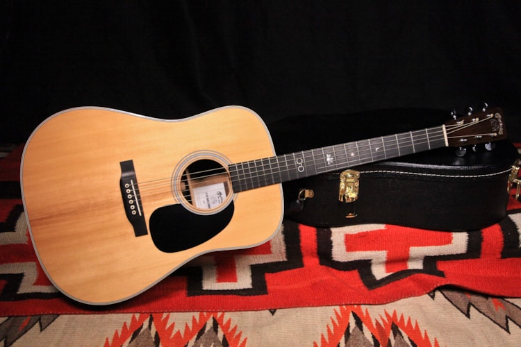 2017 Martin D28 John Lennon Signature Edition Natural, Excellent