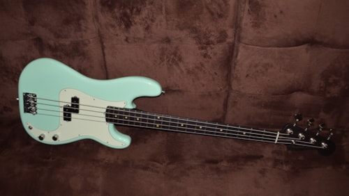 2018 Fender American Professional Precision Bass Rosewood Neck Surf Green