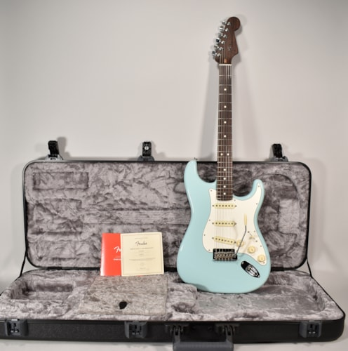 2018 Fender American Professional Stratocaster Rosewood Neck Electric Guitar