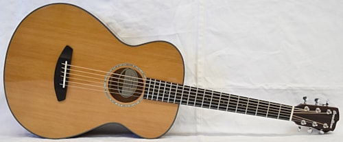 Breedlove  Pursuit Concertina A/E Natural