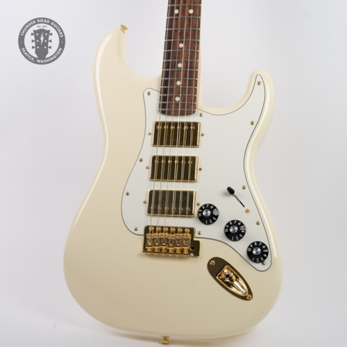 2019 Fender Limited Edition Mahogany Blacktop Stratocaster Olympic White
