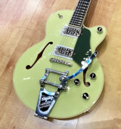 2020 Gretsch G6659T Players Edition Broadkaster Jr.