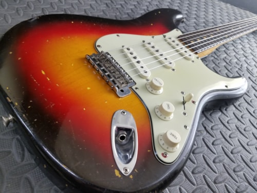 BEAUTIFUL ALL ORIGINAL VINTAGE 1962 FENDER STRATOCASTER EXCELLENT 3 COLOR BURST!