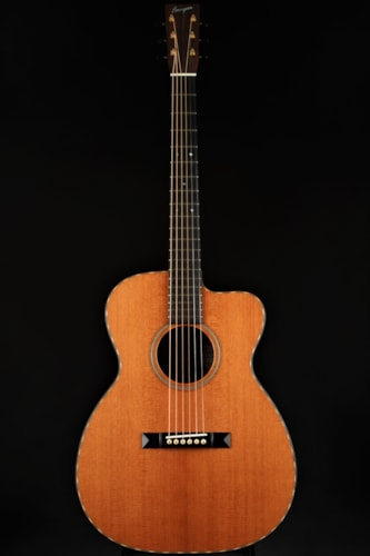 Bourgeois Soloist OMC Redwood/Macassar Ebony/Demo Mint, Hard