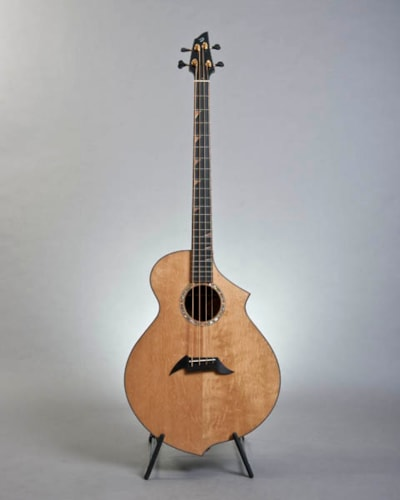 Breedlove B22 Bearclaw Spruce/Walnut, Brand New