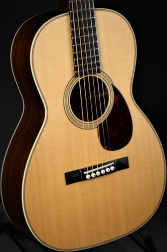 Collings 02H 12-Fret T Brand New, Hard