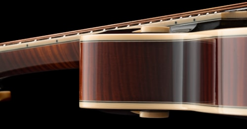 Collings MF-5. Top of the line Collings Mandolin, Gorgeous Sunburst High Gloss Lacquer, NEW COND.