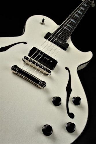 Collings SoCo Deluxe - Vintage White Brand New, Hard, $6,277.50