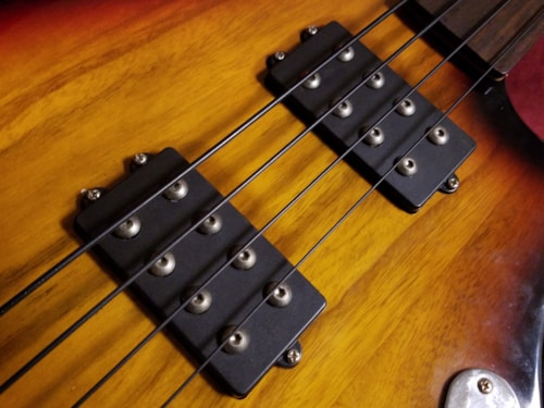 Custom 4 String Fretless Bass Sunburst, Very Good, $249.00