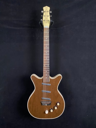 Danelectro Deluxe Brown