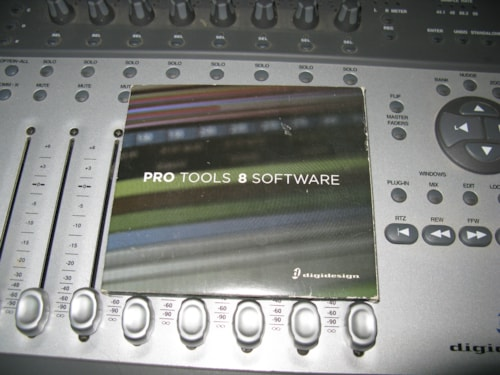 Digidesign Digi 002 with Pro Tools 8 LE Grey > Recording