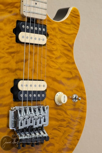 Ernie Ball Music Man Axis - Trans Gold Quilt